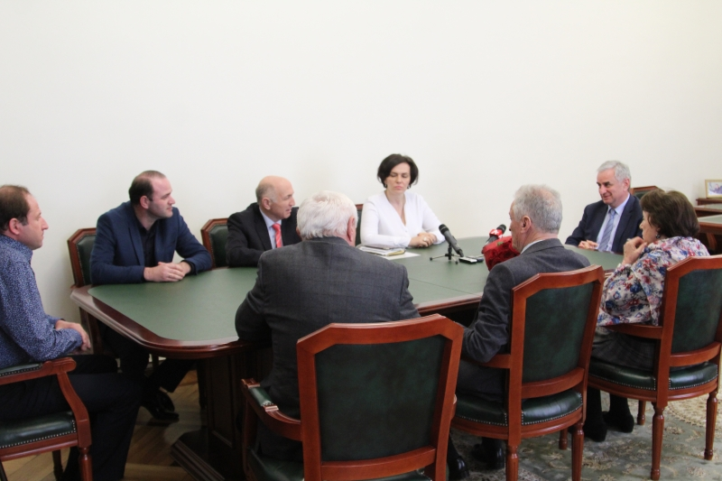 "The President Had a Meeting with the Creators and Actors of the Play ""Keleshbey"""